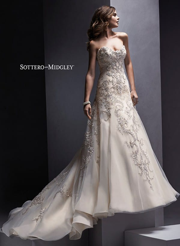 Zariah wedding dress