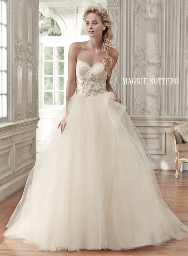 Aracella wedding dress