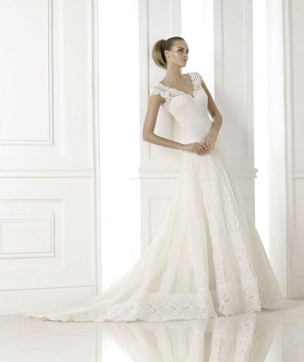 Kande vestuvinė suknelė