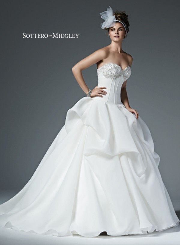 Renita wedding dress