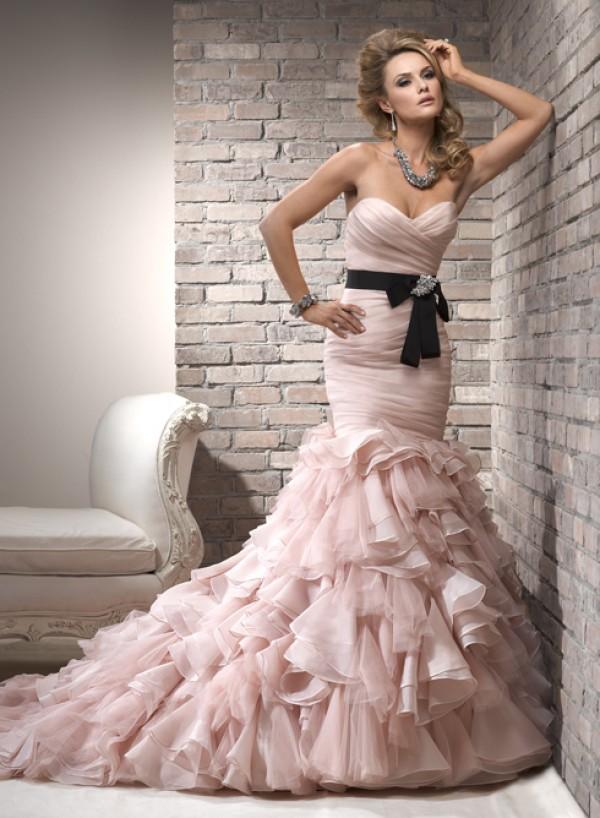 Divina suknie ślubne