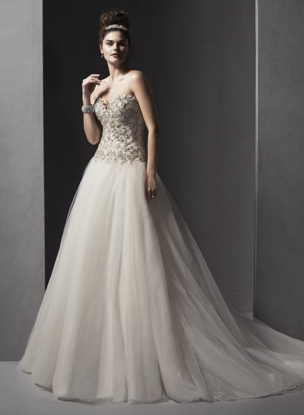 vestuvines-sukneles-danica-2