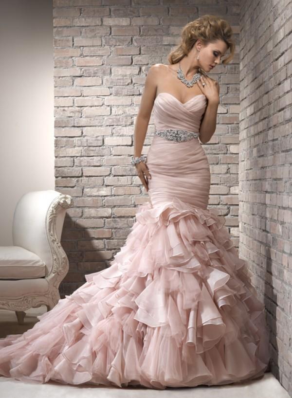 vestuvines-sukneles-divina-3
