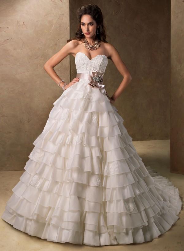 vestuvines-sukneles-milicent