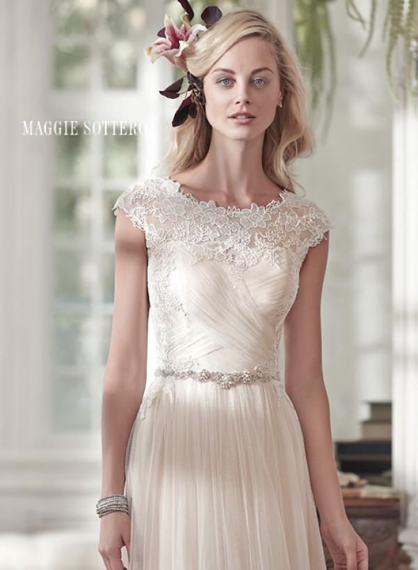 vestuvines-sukneles-patience-marie-3