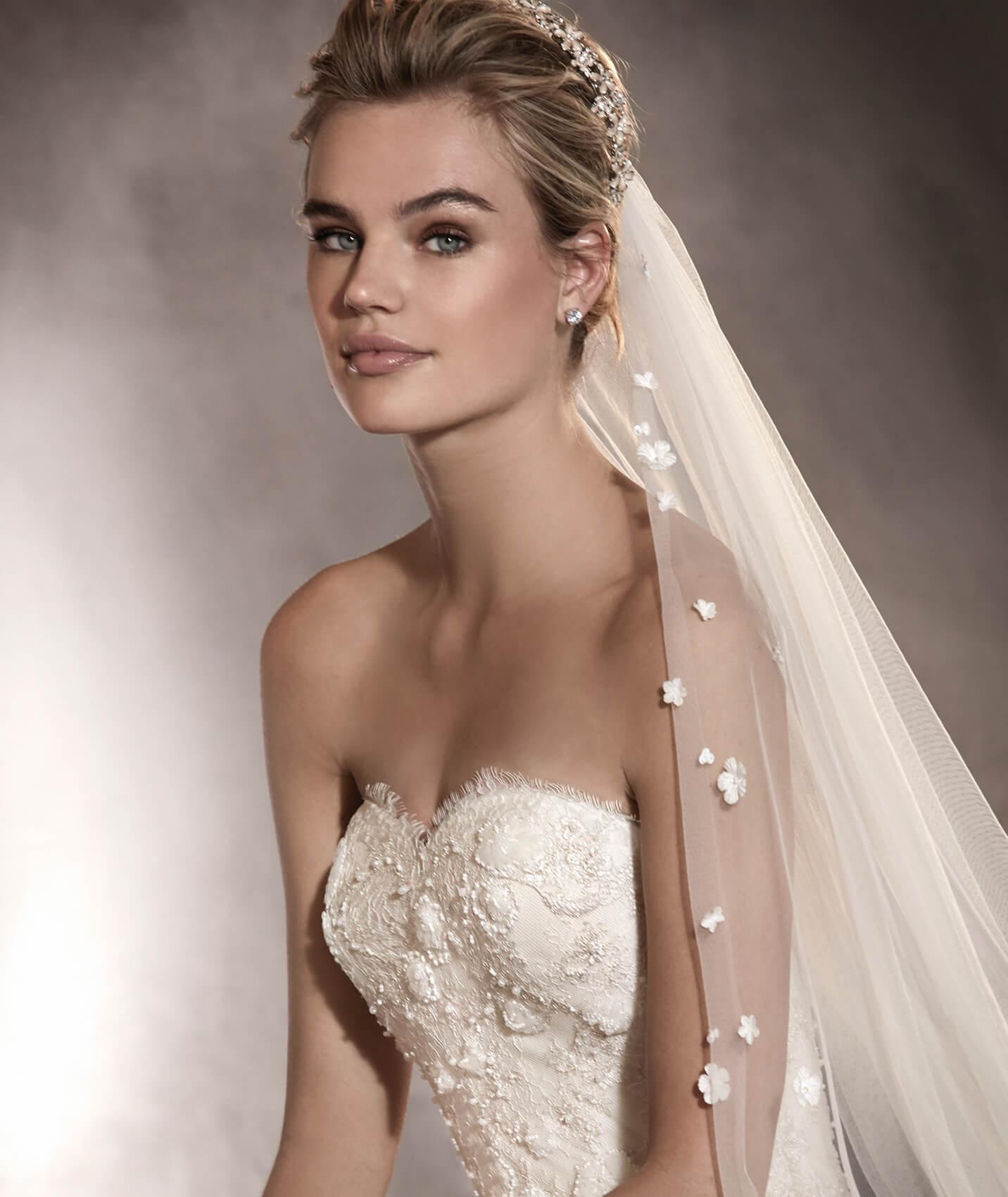 vestuvines-sukneles-pronovias-arizona-2