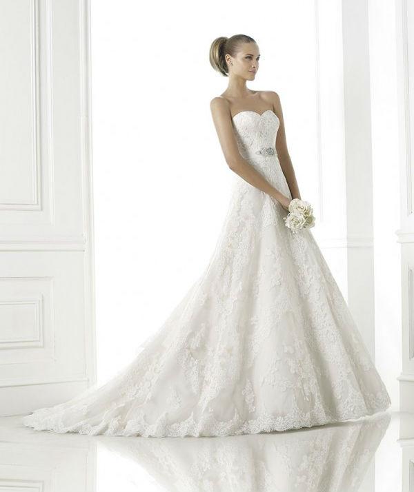 vestuvines-sukneles-pronovias-basma