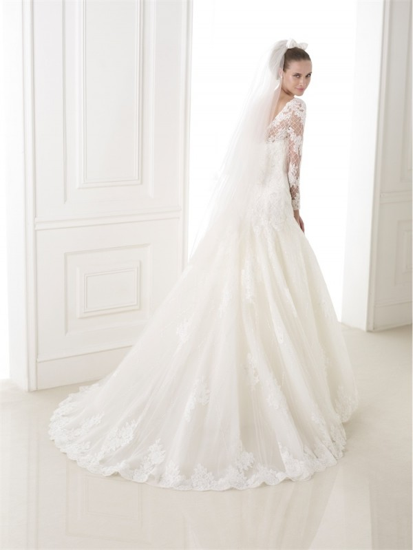 vestuvines-sukneles-pronovias-bastiana-2