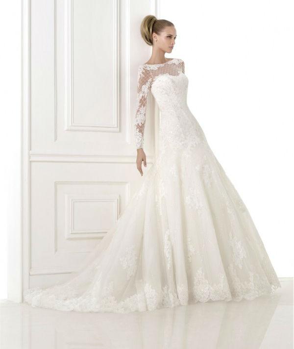 vestuvines-sukneles-pronovias-bastiana