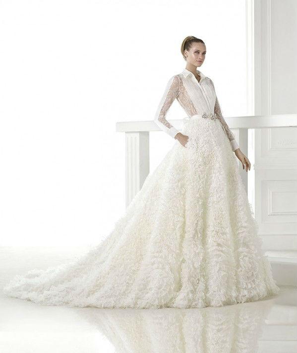 vestuvines-sukneles-pronovias-cristina