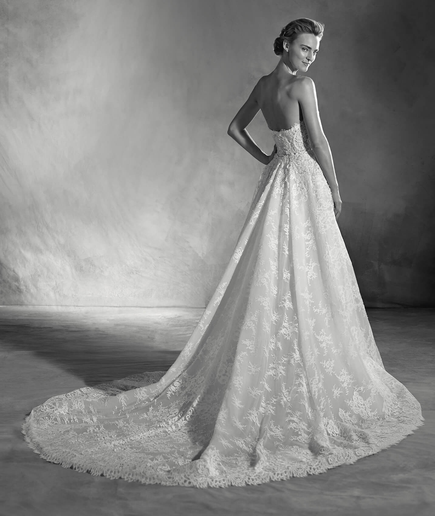 vestuvines-sukneles-pronovias-edith-2
