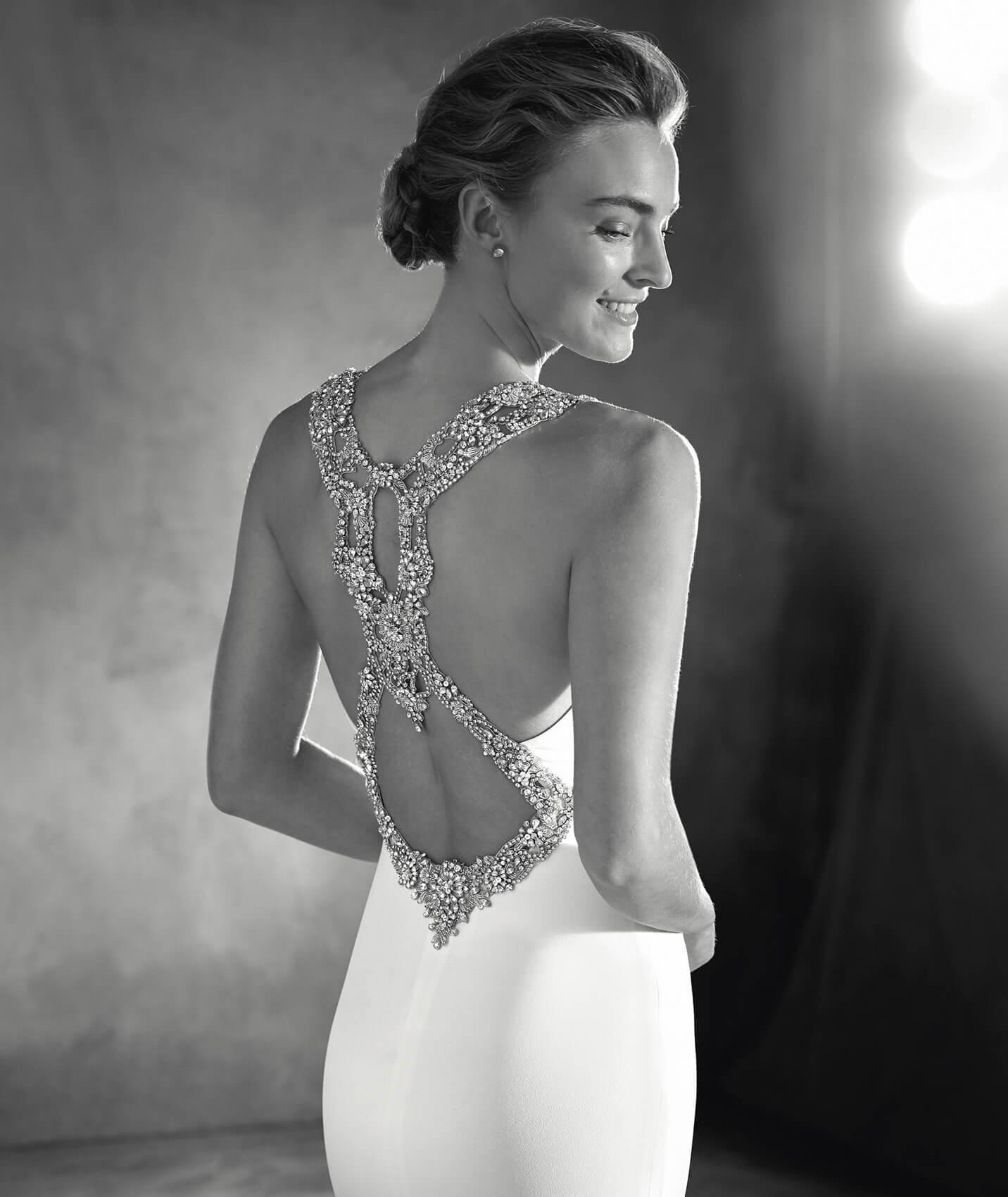 vestuvines-sukneles-pronovias-emmett-2