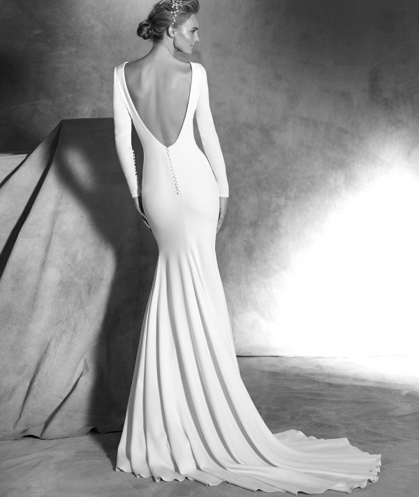 vestuvines-sukneles-pronovias-ivania-2