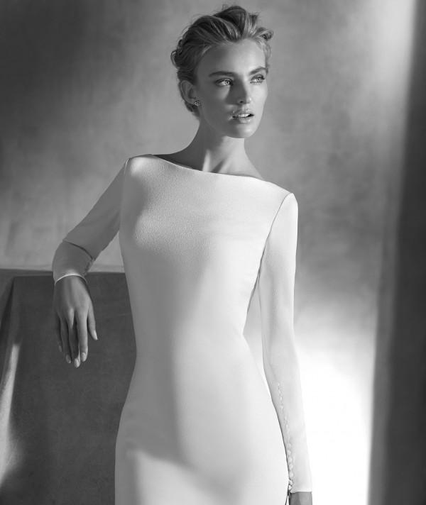 vestuvines-sukneles-pronovias-ivania-3