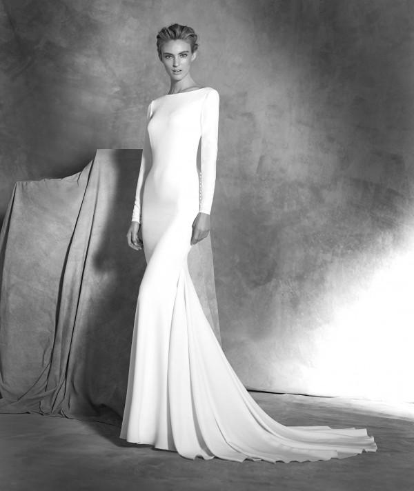 vestuvines-sukneles-pronovias-ivania