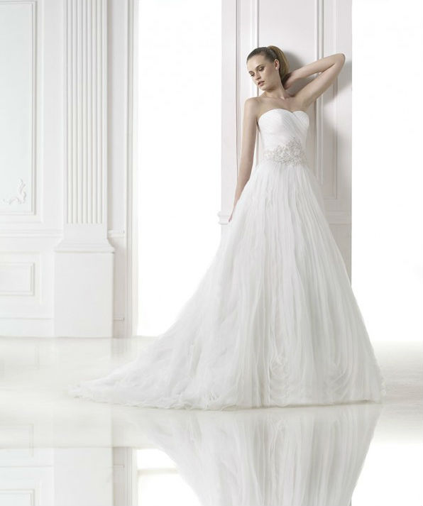 vestuvines-sukneles-pronovias-malvina