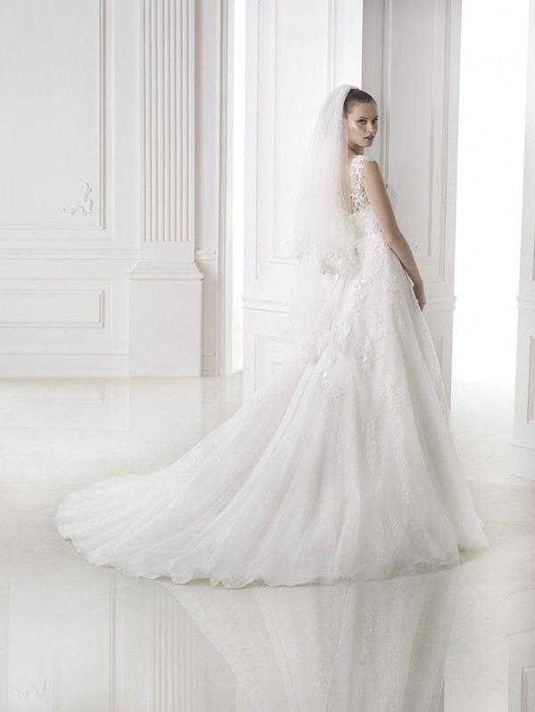 vestuvines-sukneles-pronovias-meda-3
