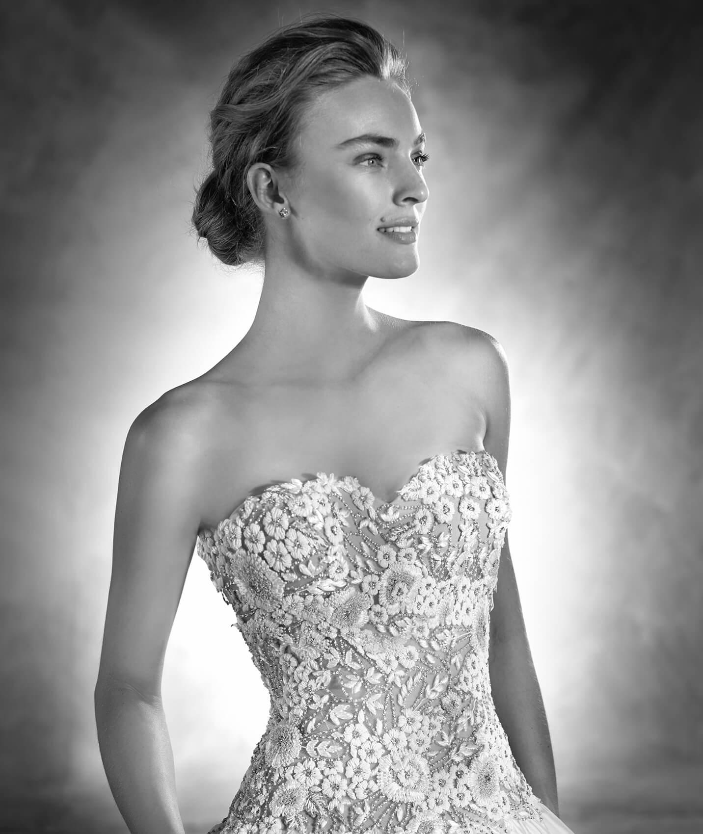vestuvines-sukneles-pronovias-nadira-2