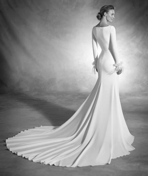 vestuvines-sukneles-pronovias-nuria-3