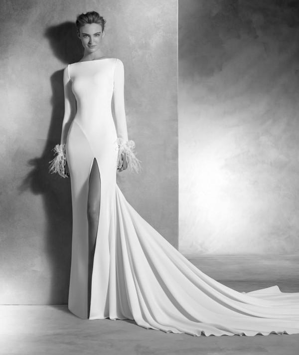 vestuvines-sukneles-pronovias-nuria