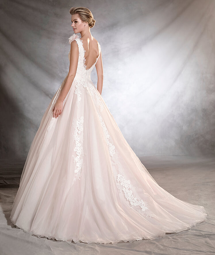 vestuvines-sukneles-pronovias-oana-3