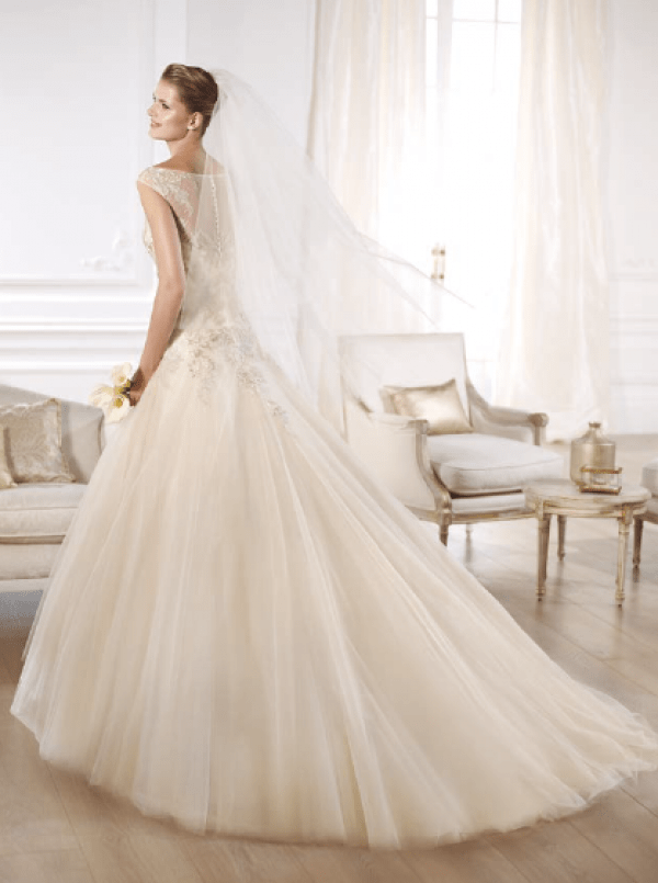 vestuvines-sukneles-pronovias-obdulia-3