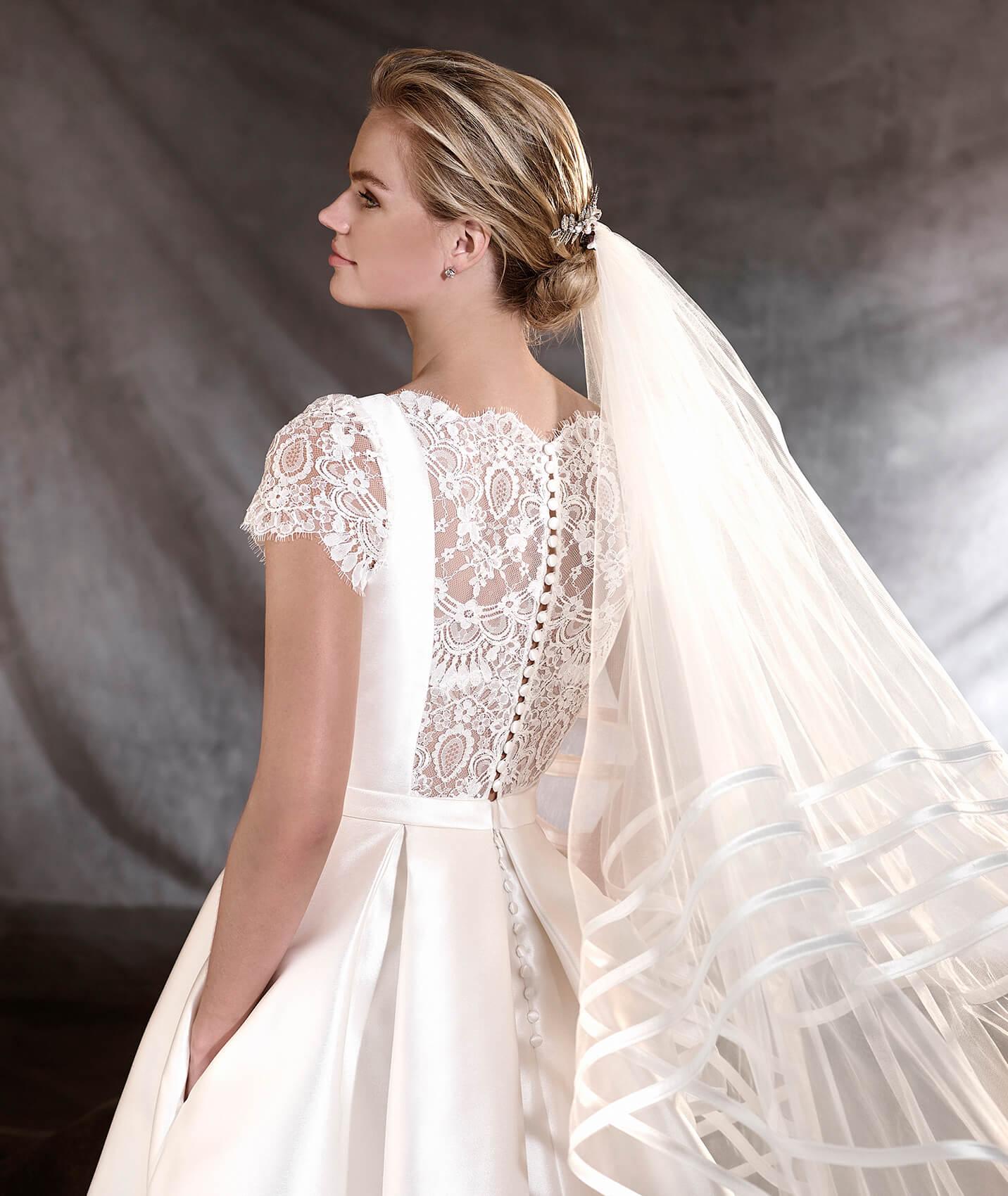 vestuvines-sukneles-pronovias-otelo-2