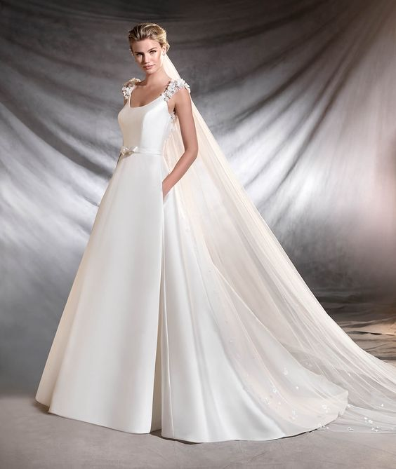 vestuvines-sukneles-pronovias-otre