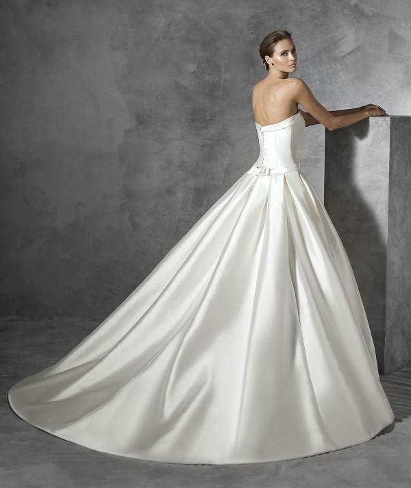 vestuvines-sukneles-pronovias-prianna-3