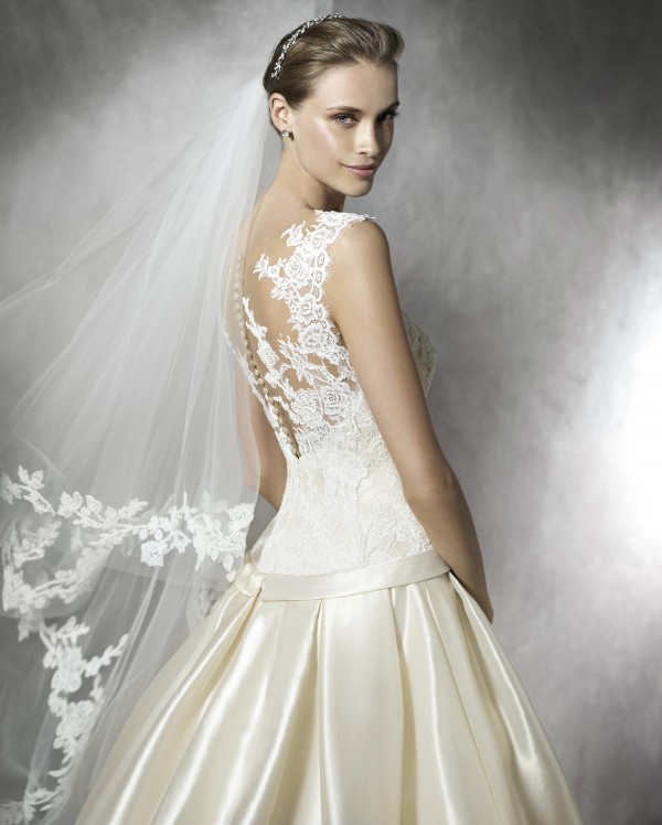 vestuvines-sukneles-pronovias-terentia-3