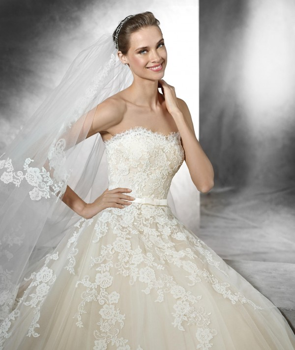 vestuvines-sukneles-pronovias-trey-3