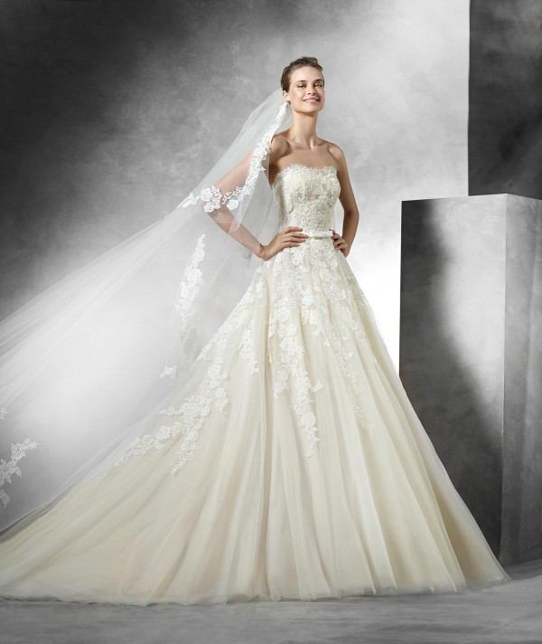 vestuvines-sukneles-pronovias-trey