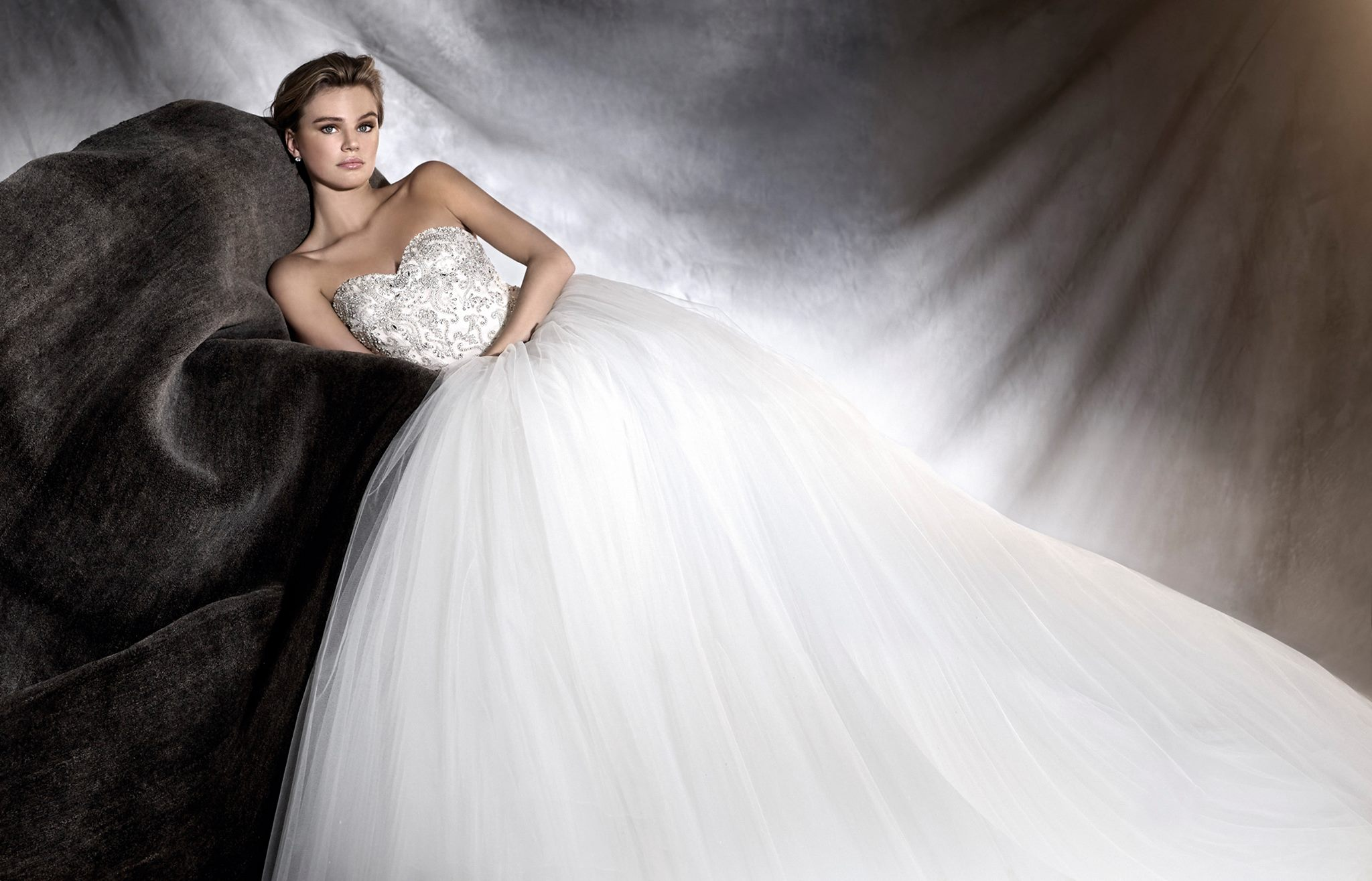 vestuvines sukneles pronovias odelia d
