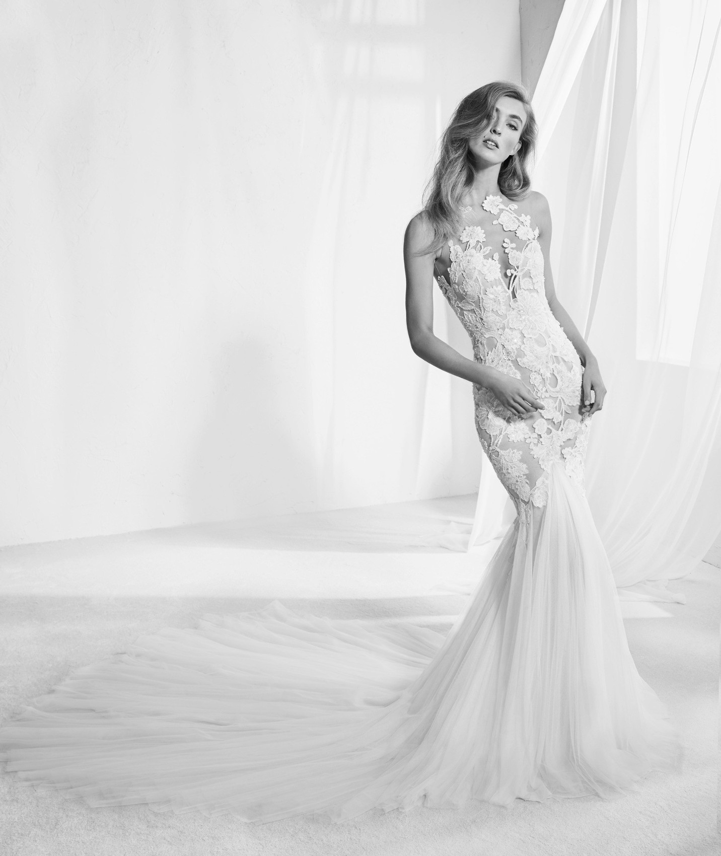 Raen vestuvinė suknelė