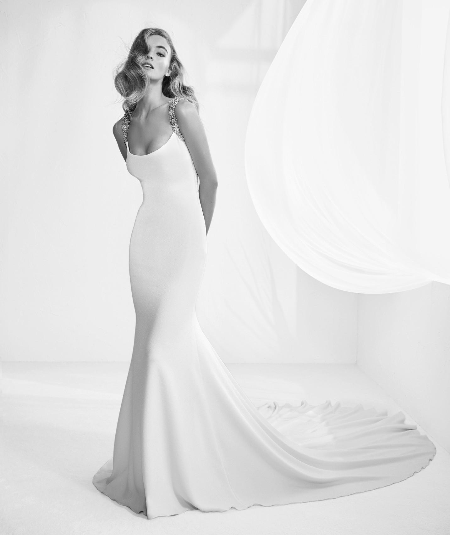 Rafia vestuvinė suknelė