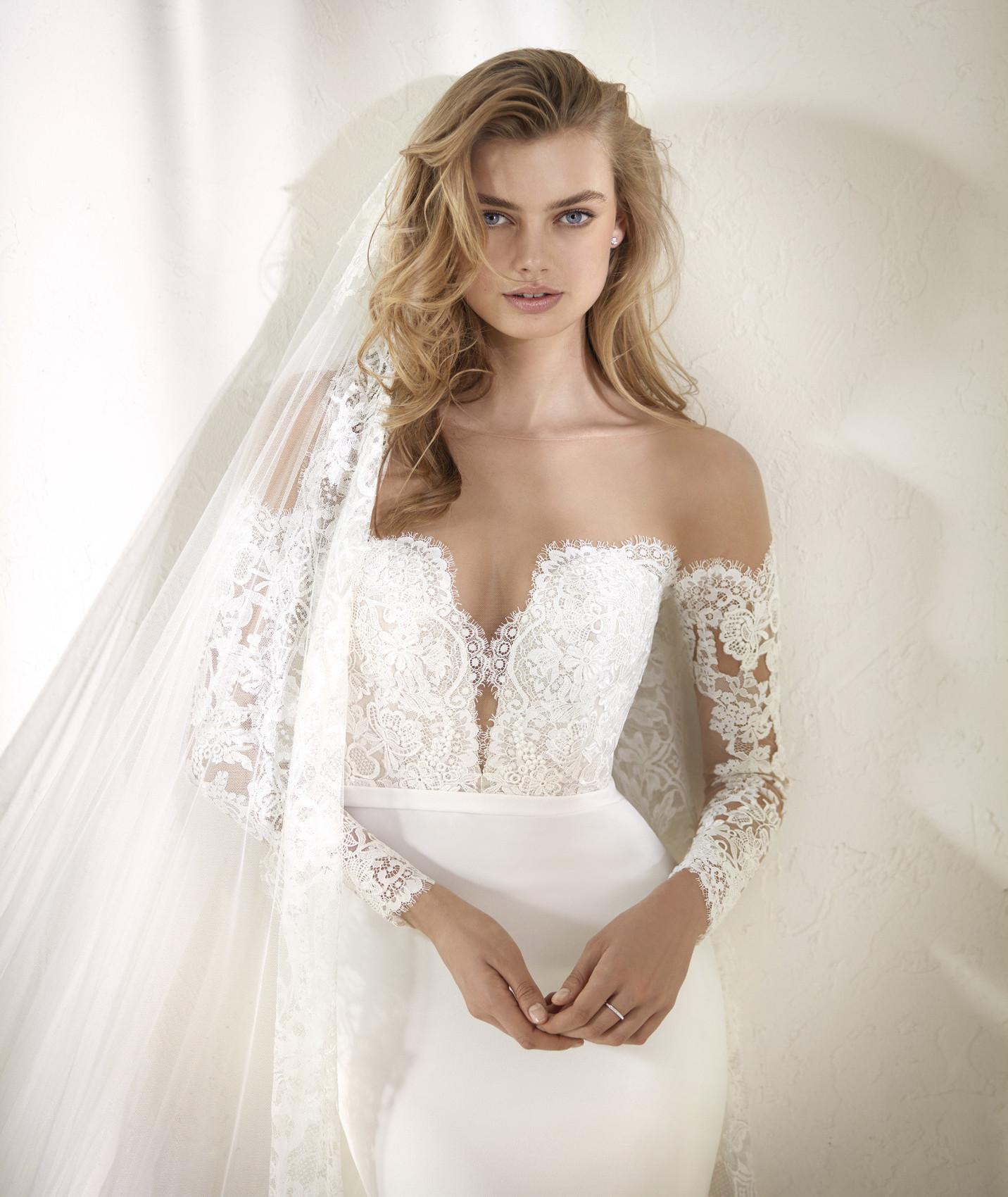 vestuvines sukneles pronovias dracma c