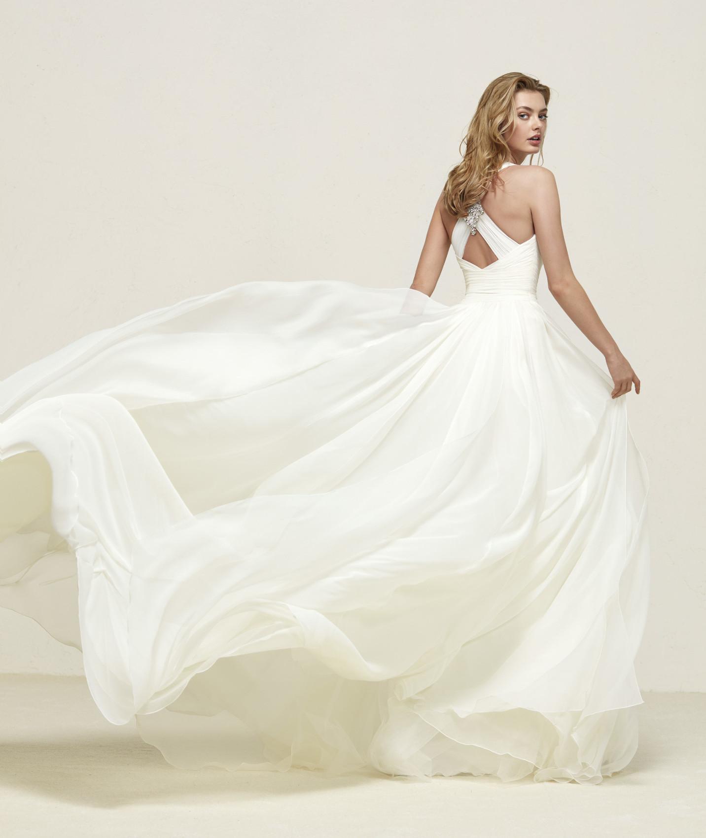 vestuvines sukneles pronovias dresden c
