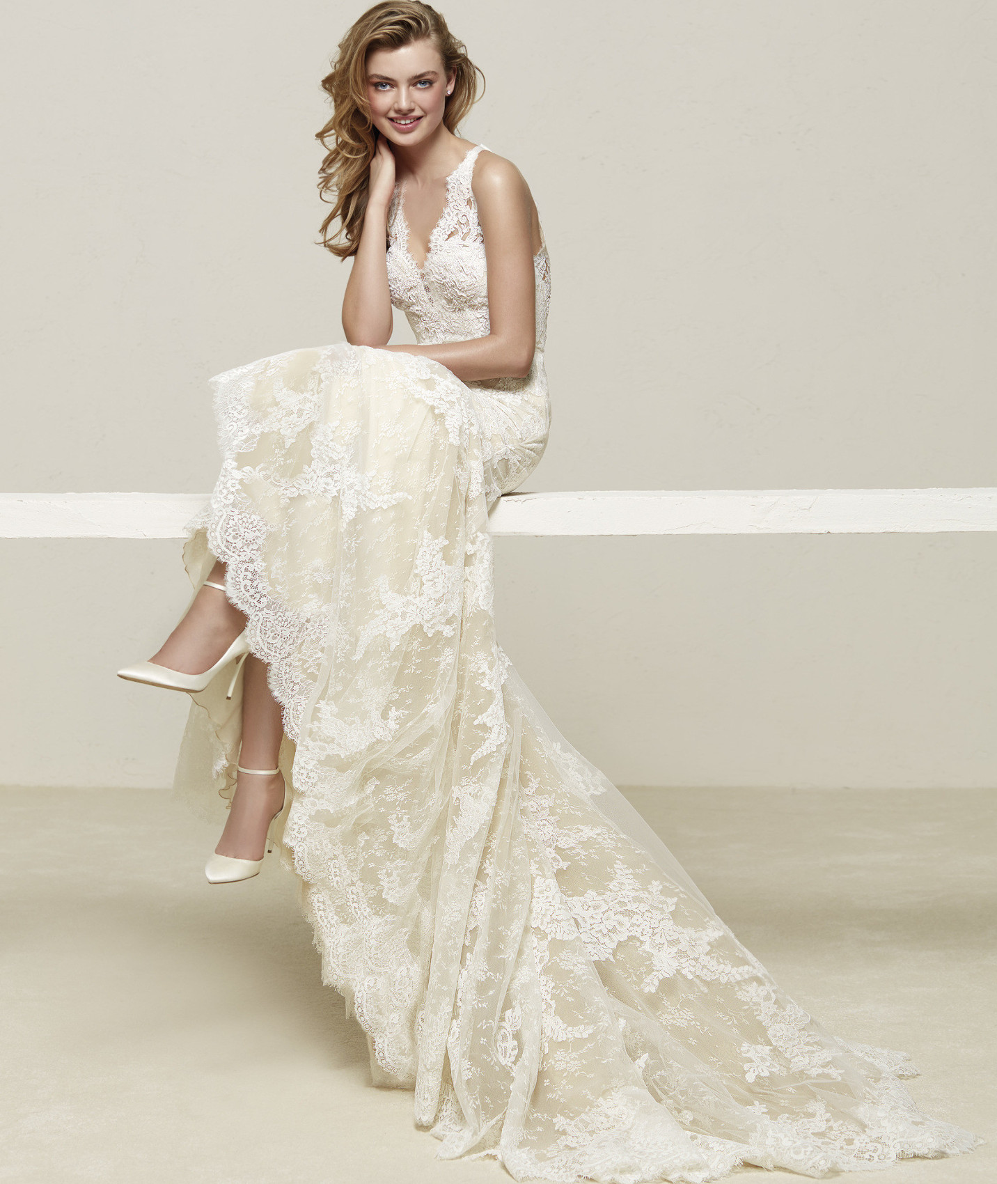 vestuvines sukneles pronovias drilos c