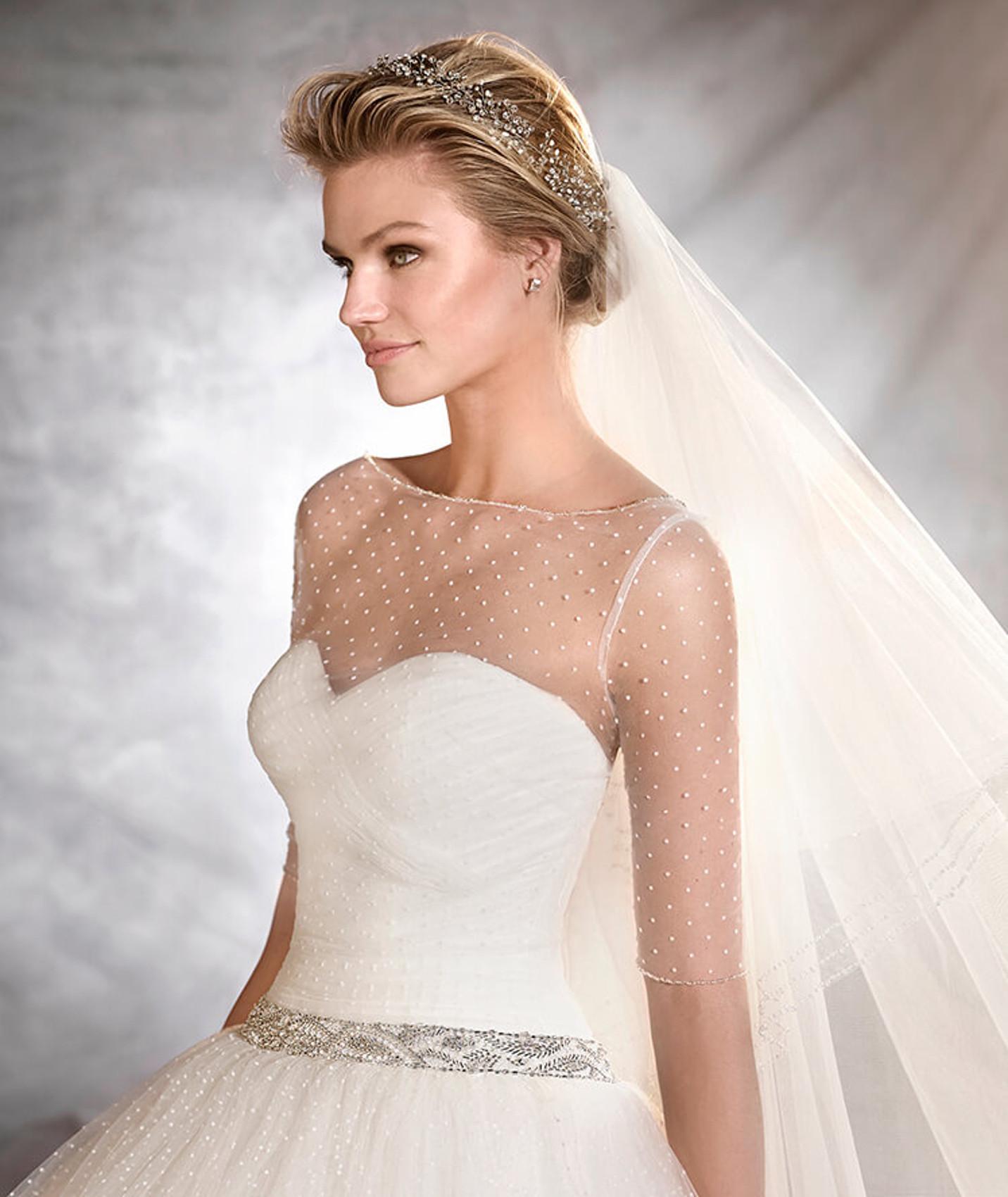 vestuvines sukneles pronovias ovalia c