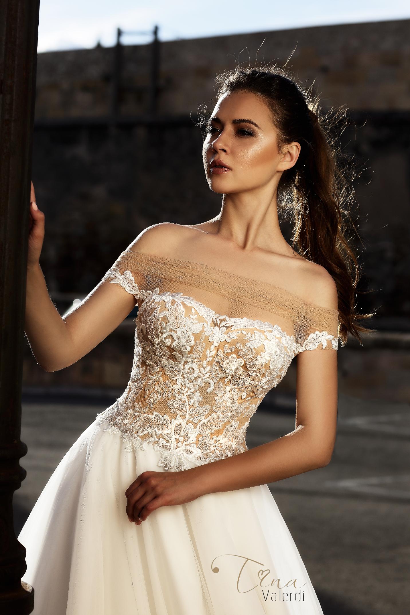 vestuvines sukneles tina valerdi Abigail1